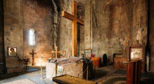 À l'intérieur du monastère de Jvari