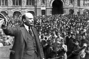 Lenin speaking to revolutionary workers